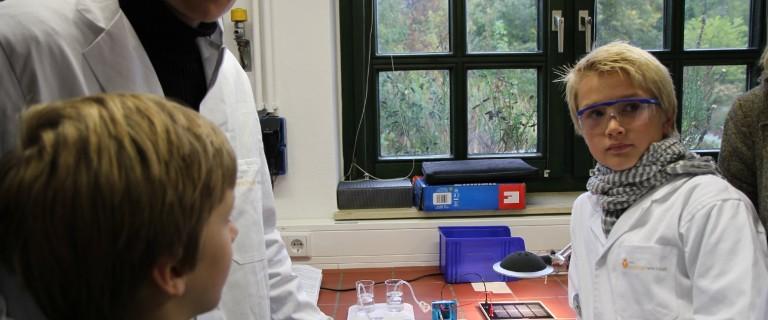 Im energie:labor erarbeiten Schulklassen an experimentellen und modellbasierten Stationen grundlegende Aspekte des Energiekonzeptes