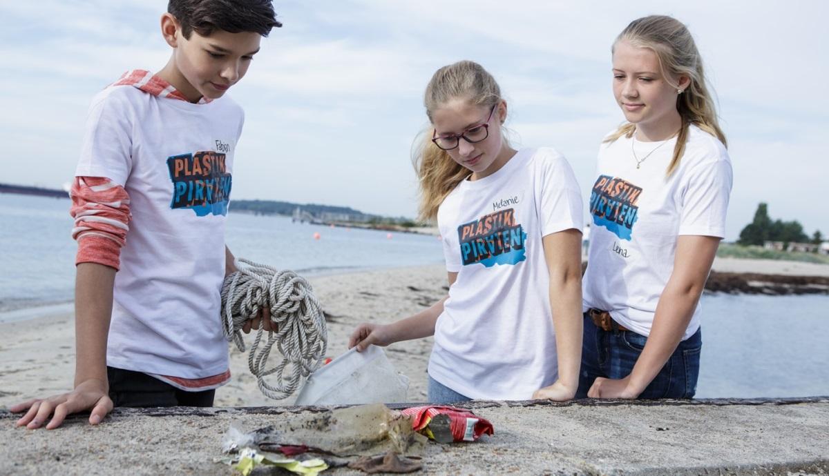 Plastikpiraten Probennahme am Falckensteiner Strand an der Kieler Förde