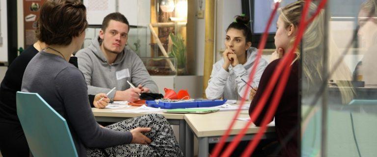 In dem neuen Programm im ozean:labor beschäftigen sich die Jugendliche mit den Veränderungen im Ökosystem Ostsee