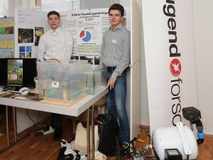 Schüler vom Netzwerk SFZ-SH beim Landeswettbewerb Jugend forscht