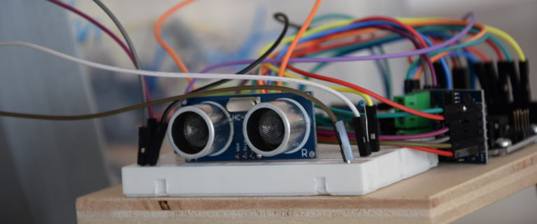 In der nawiwerft bauen die Jugendlichen Arduino-basierte Roboterfahrzeuge