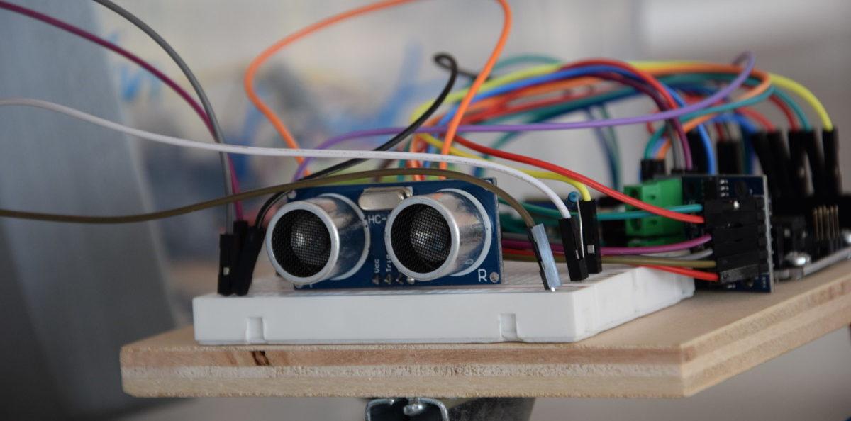 In der nawiwerft programmieren und basteln Jungen und Mädchen arduinobasierte Roboterfahrzeuge