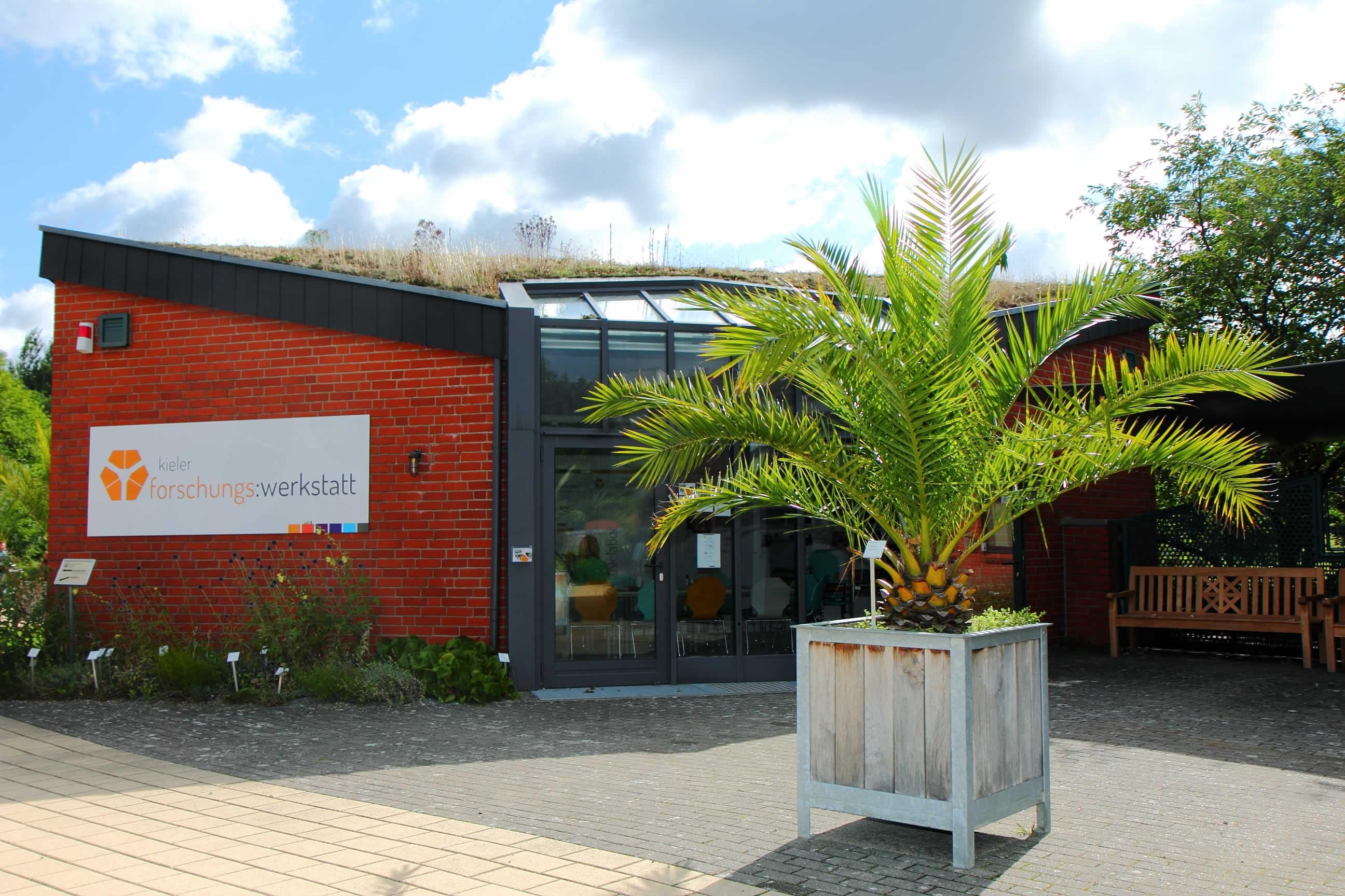 Lehrerfortbildungen in der Kieler Forschungswerkstatt beispielsweise zur Nanotechnologie